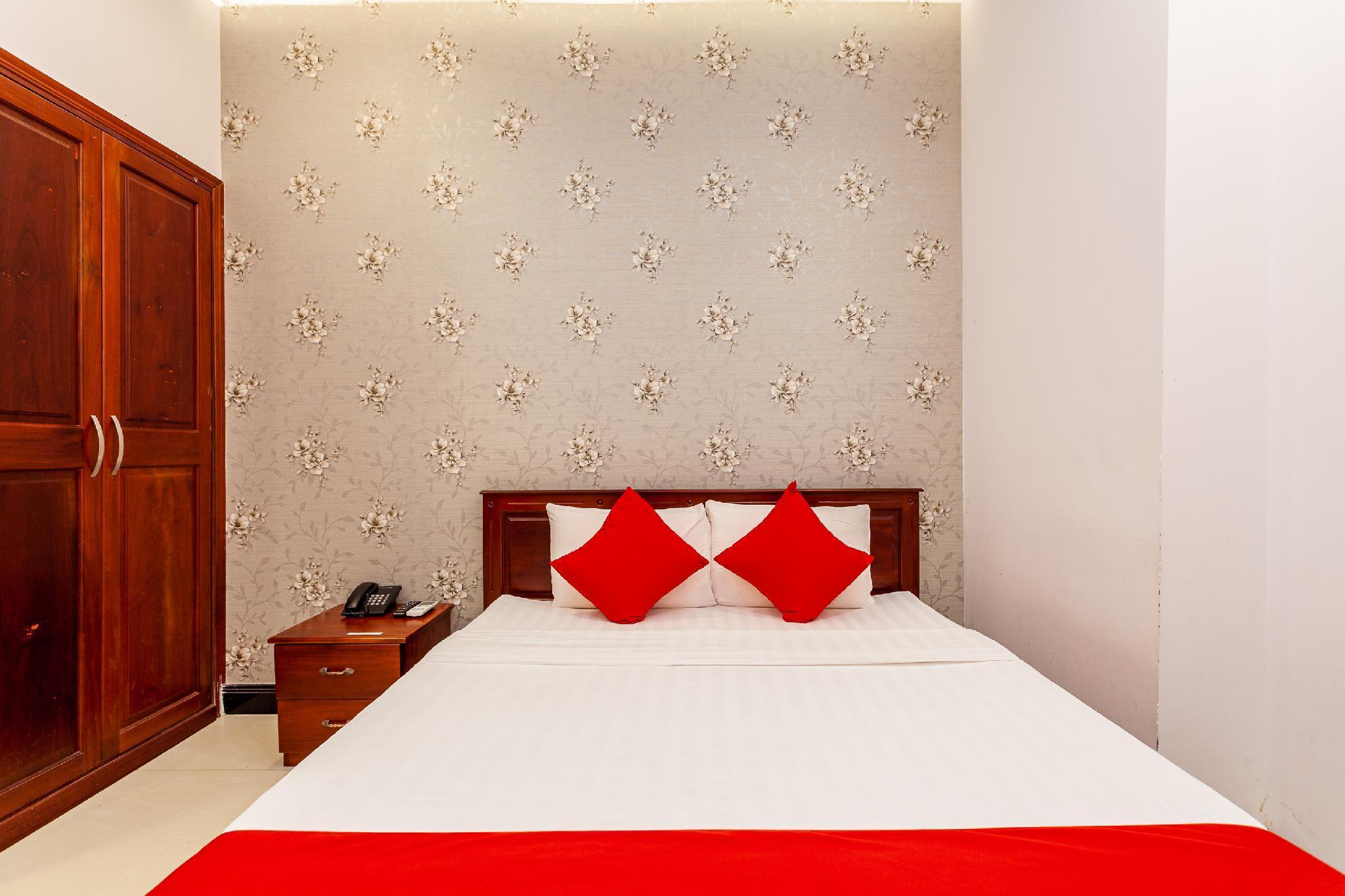 OYO 323 Vinh Phong 2 Hotel