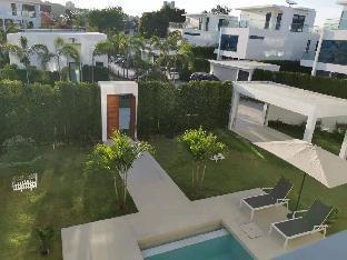 [プラタムナックヒル]ヴィラ(300m2)| 4ベッドルーム/3バスルーム [Pattaya Villa] Summer new! 3 floors palmc17