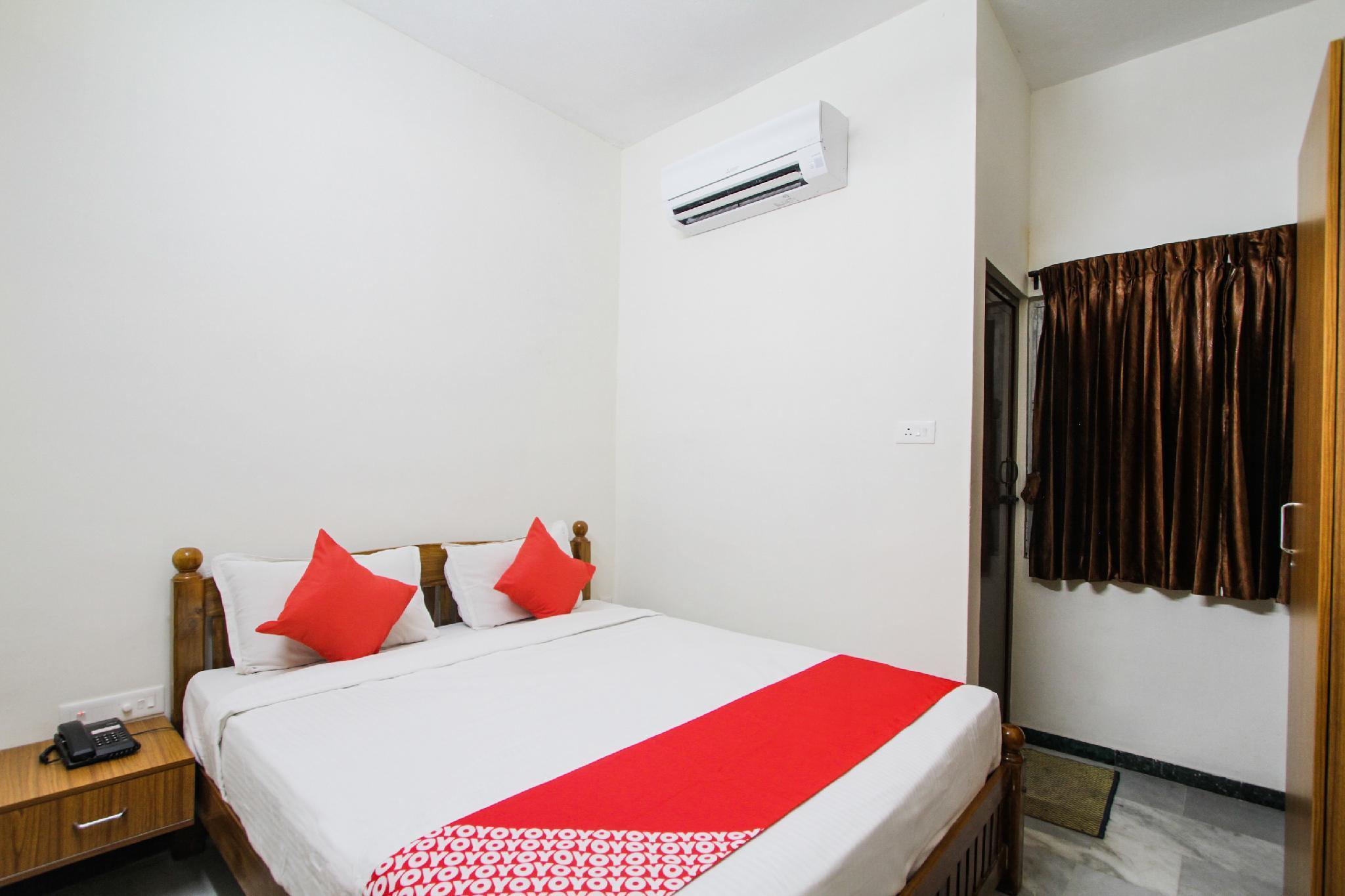 OYO 47585 Sri Laxmi Inn