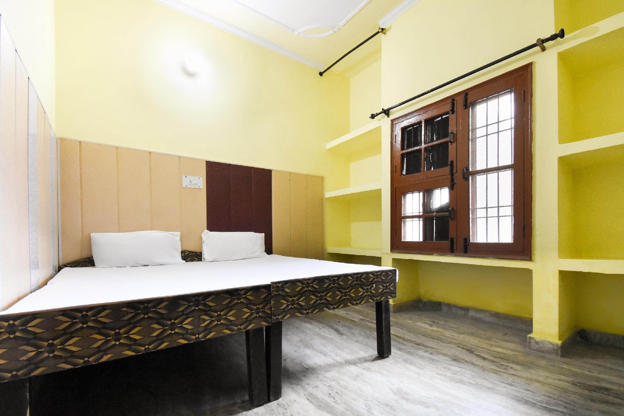 SPOT ON 49295 Hotel Kohinoor Park