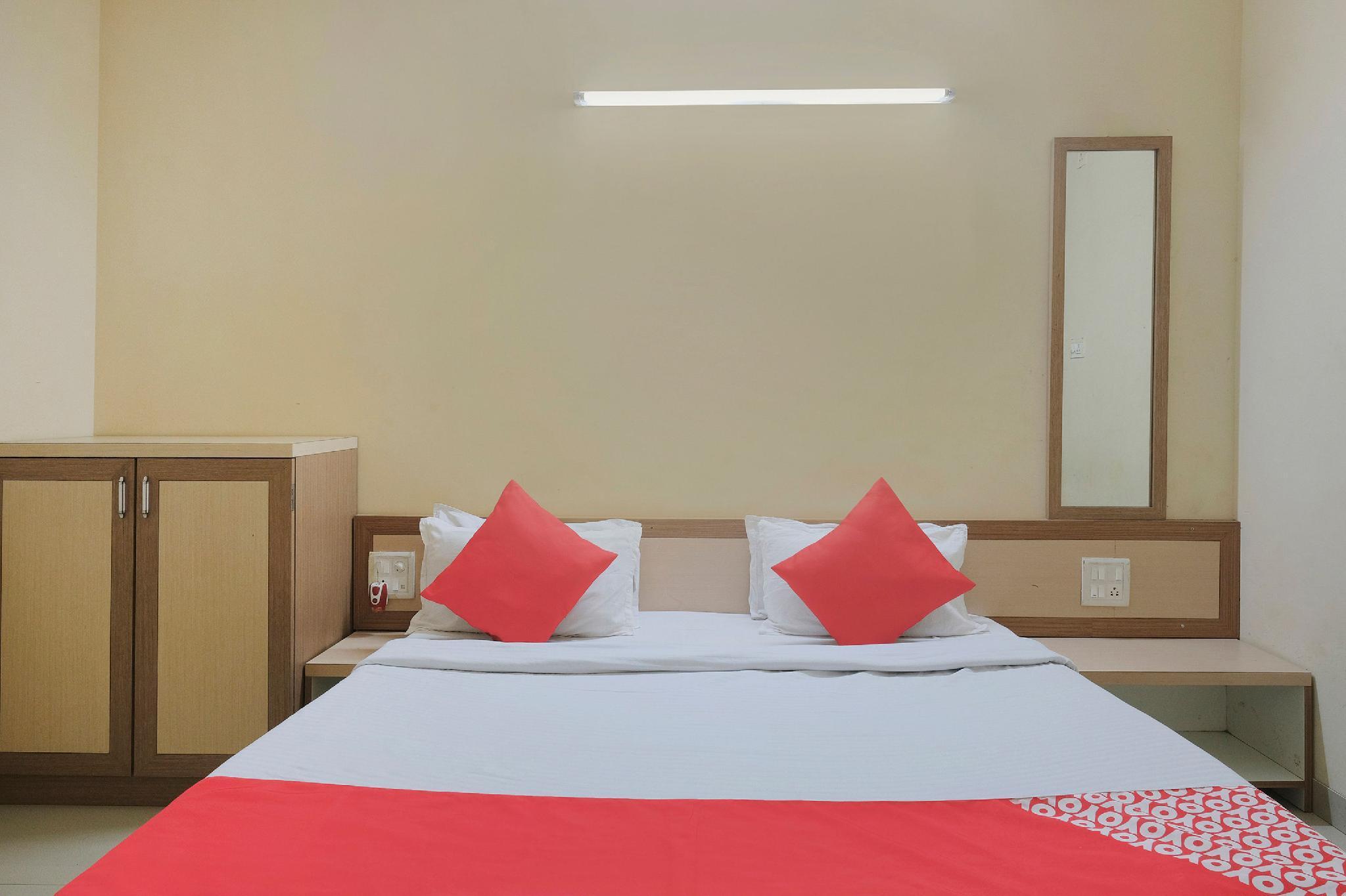SPOT ON 47633 Hotel The Janaki