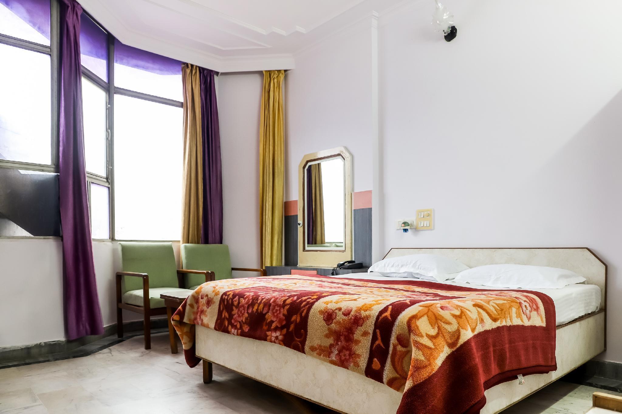 SPOT ON 45632 Hotel Chanda