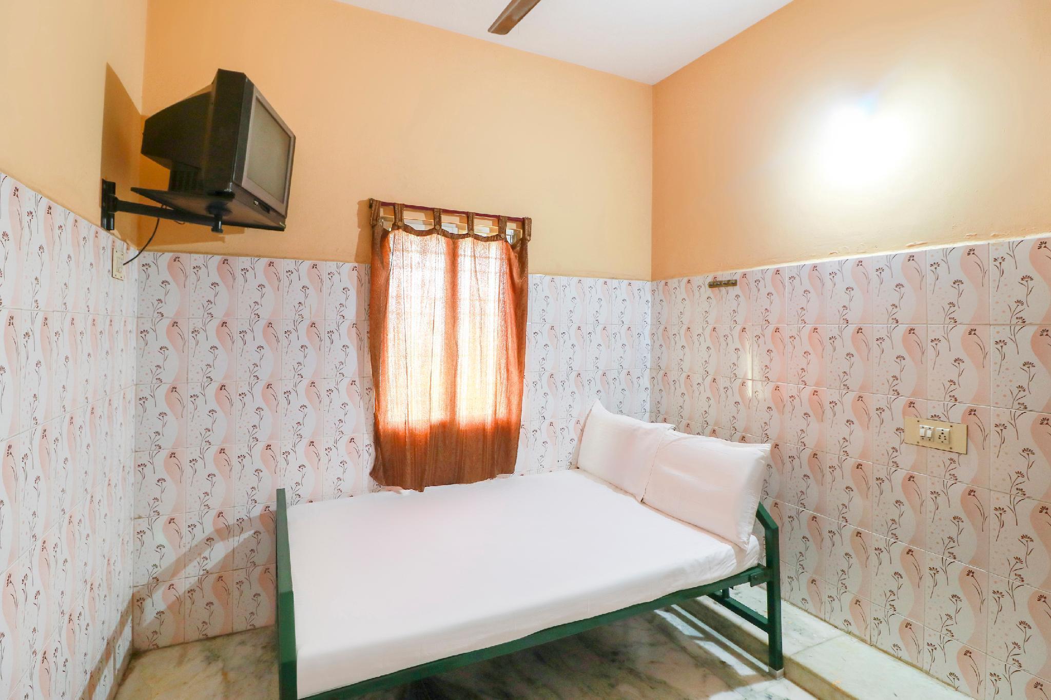 SPOT ON 49134 Naidu Lodge