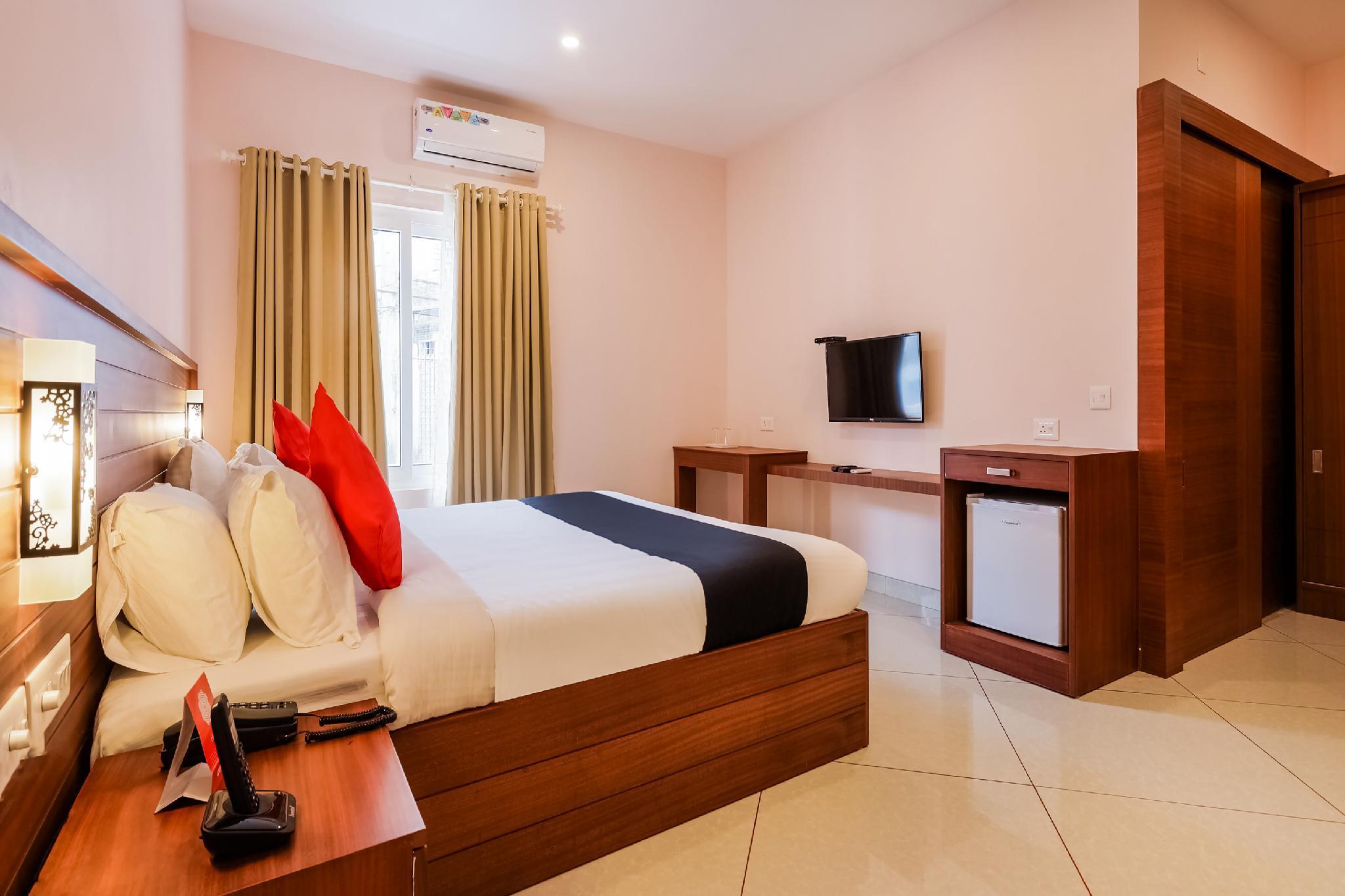 Capital O 47340 Aruna Tourist Home
