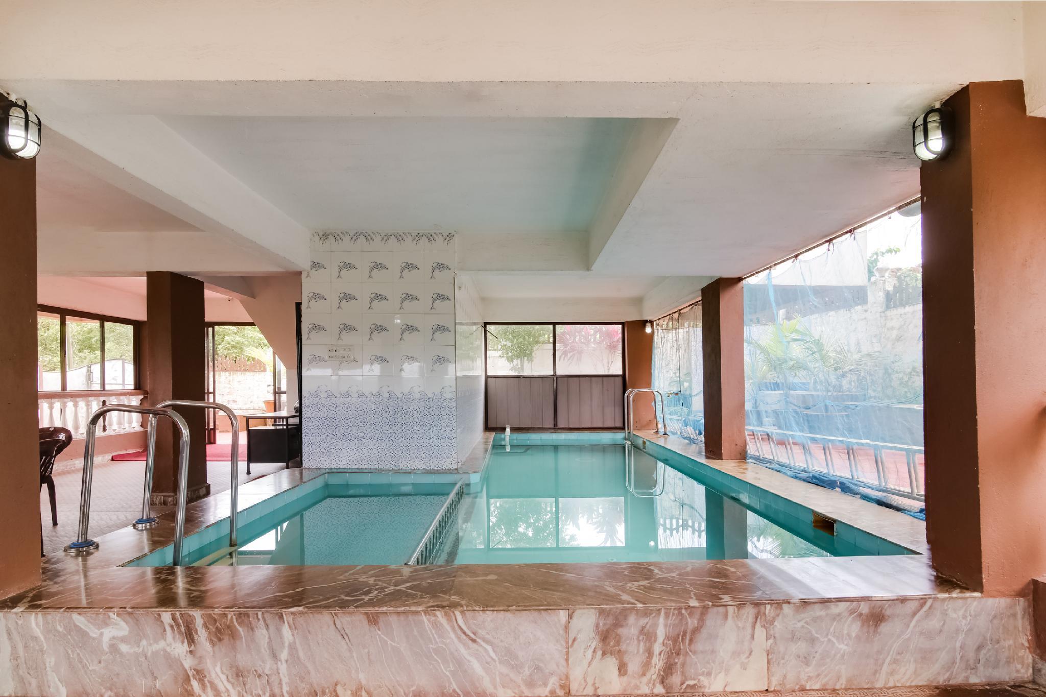 OYO 48159 Bogmalo Heights Holiday