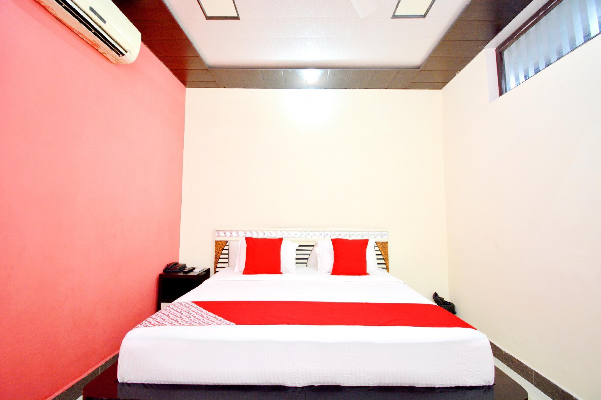 OYO 42945 Surya Hotel