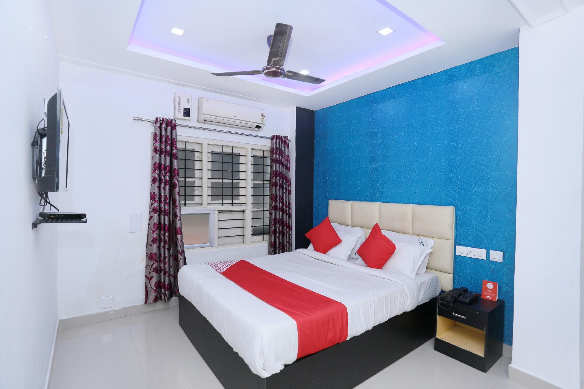 OYO 61184 Hotel Moidu's