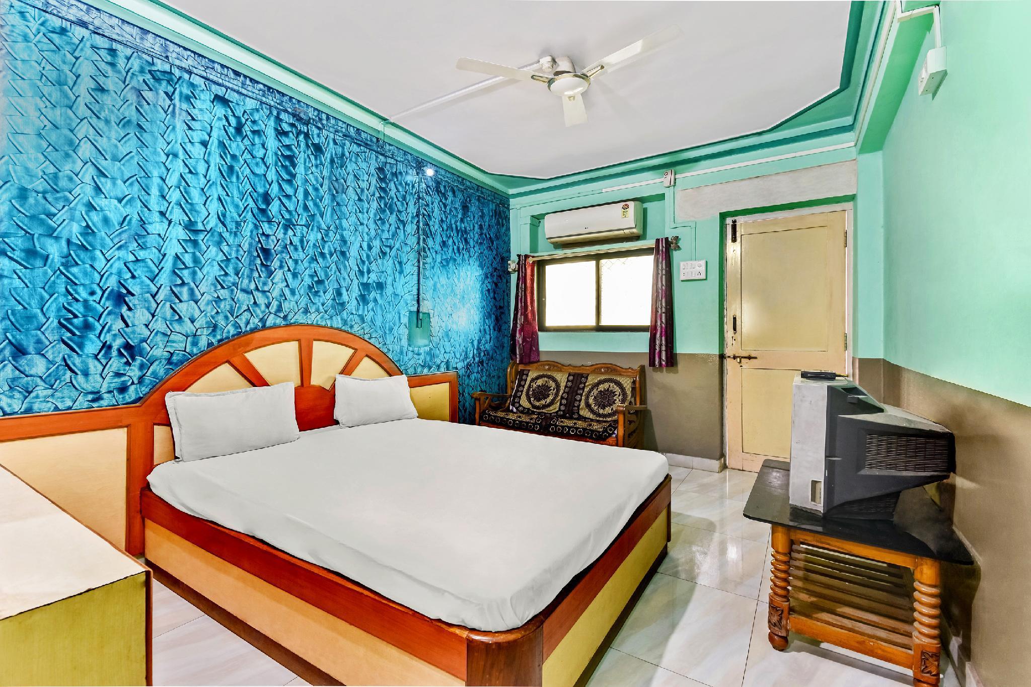 SPOT ON 47334 Bhagirathi Lodge