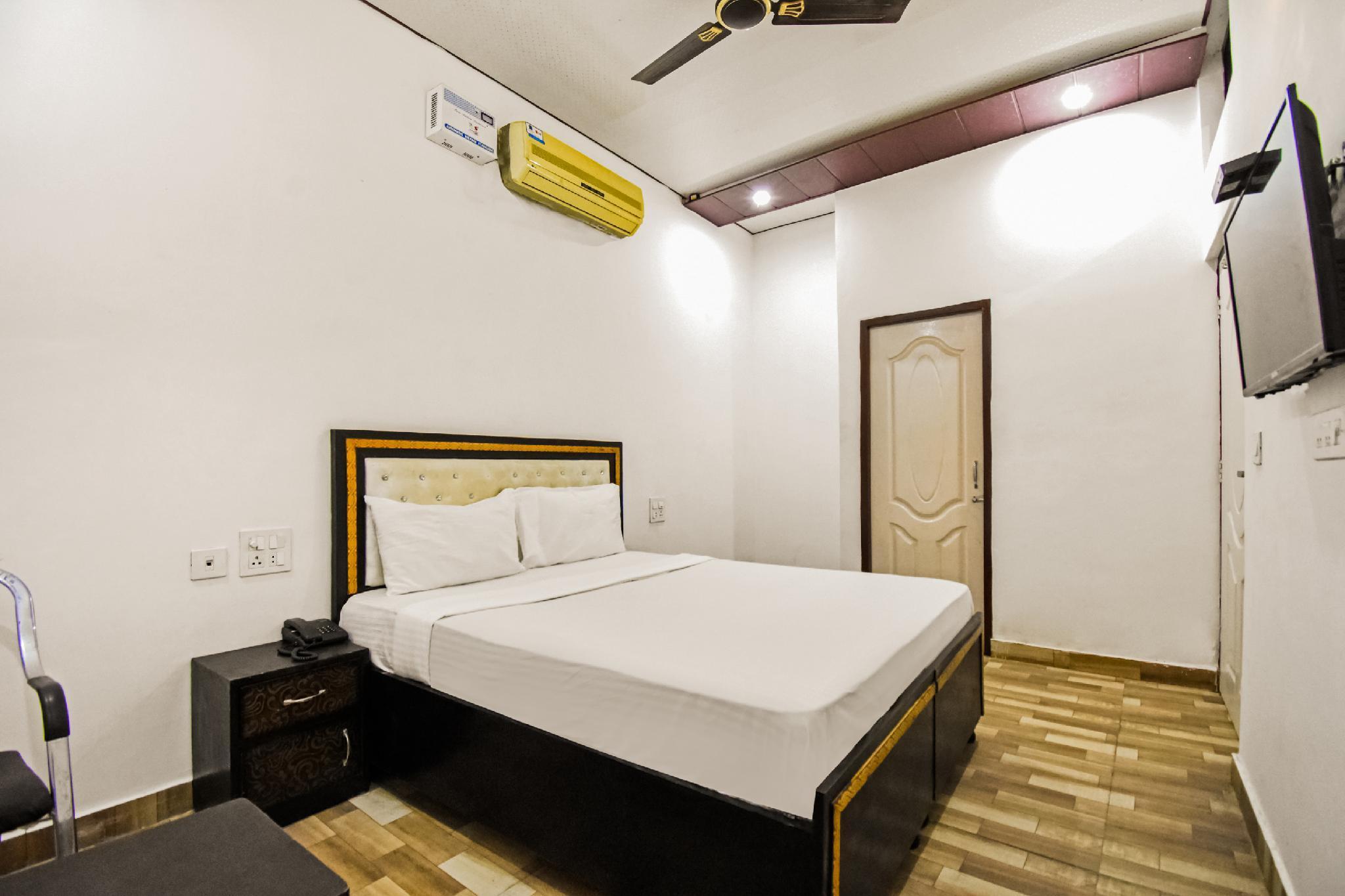 SPOT ON 49240 Hotel Gouri