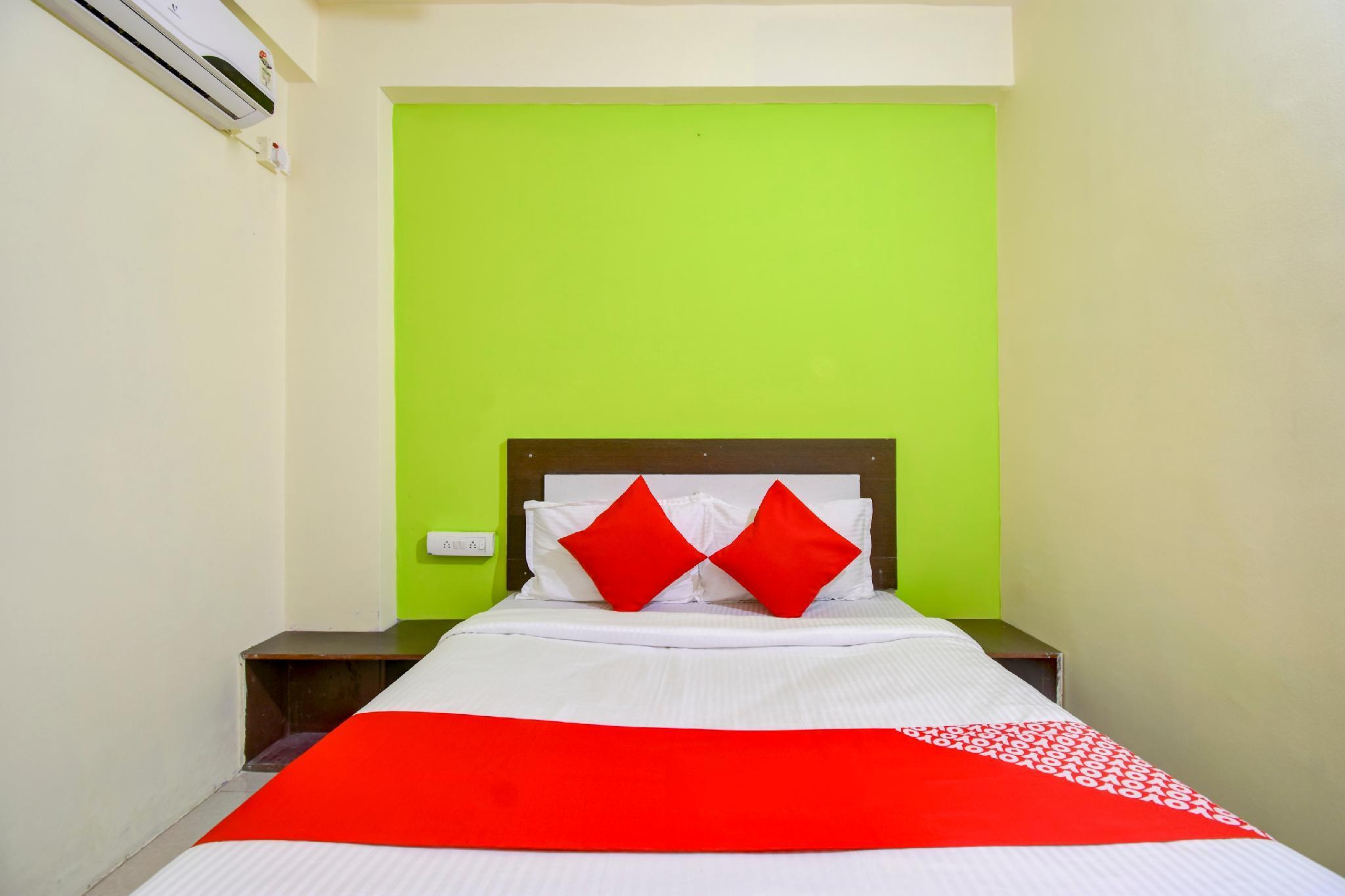 OYO 48599 Green Leaf Lodge