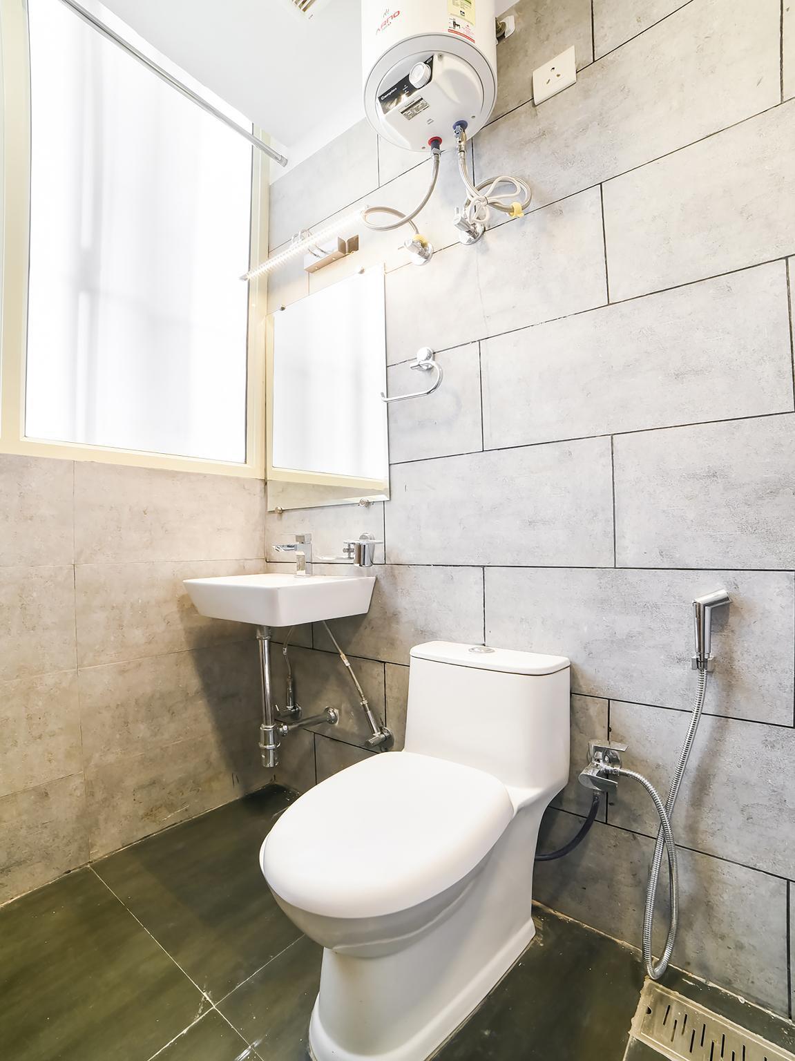 OYO 49858 Comfort Inn
