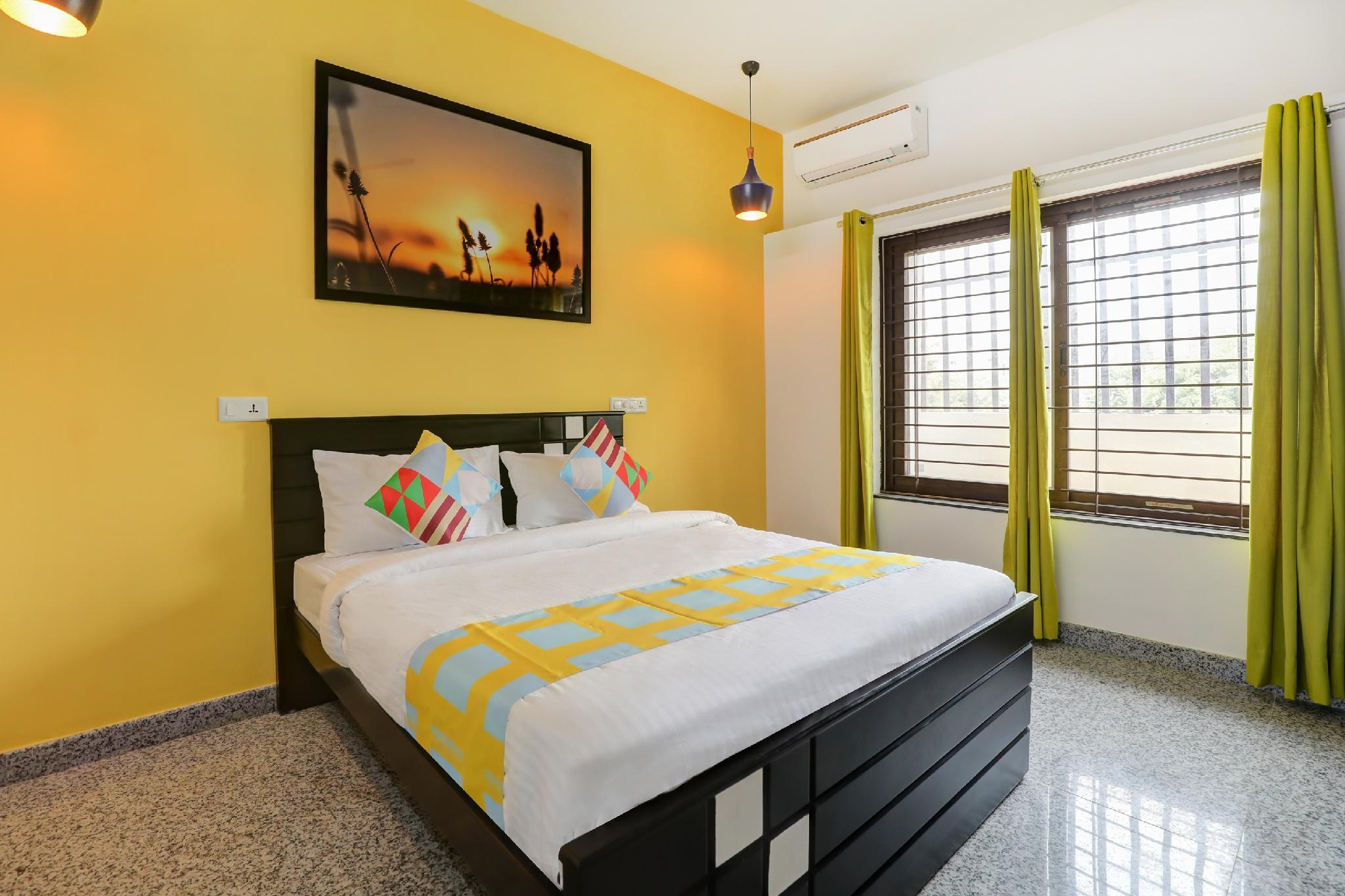 OYO 39498 Spacious Stay In Electronic City