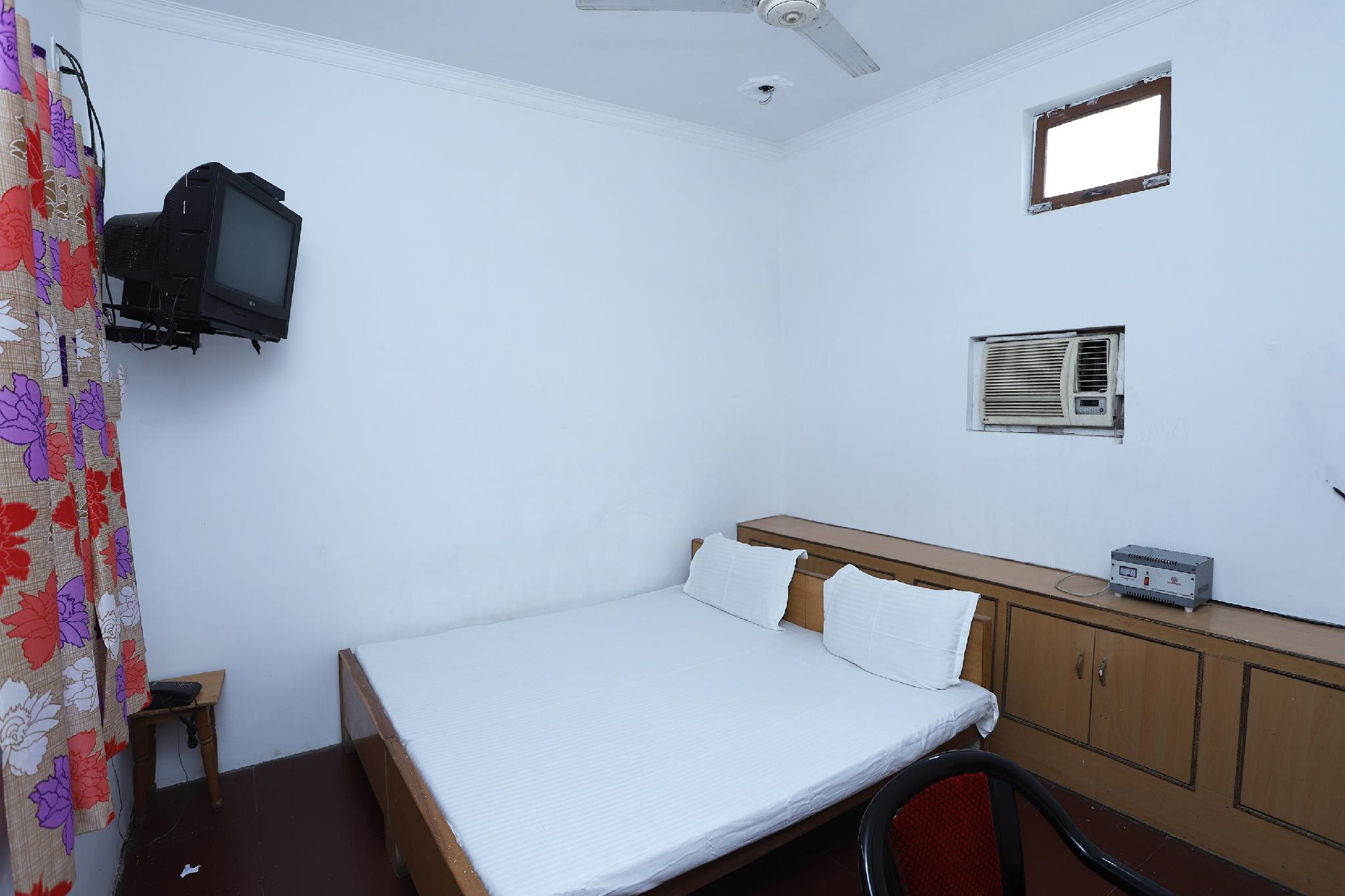 SPOT ON 42992 Urvashi Hotel