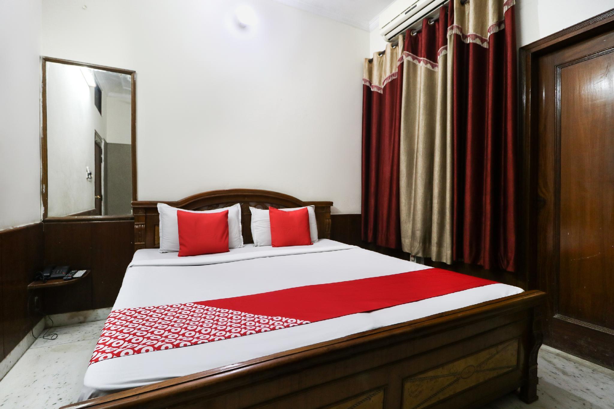 OYO 46852 Hotel Pal Regency