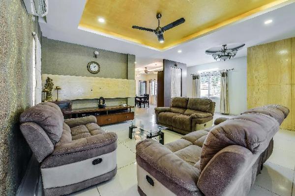 OYO Home 48598 Spacious Stay Near AGS Cinemas Chennai