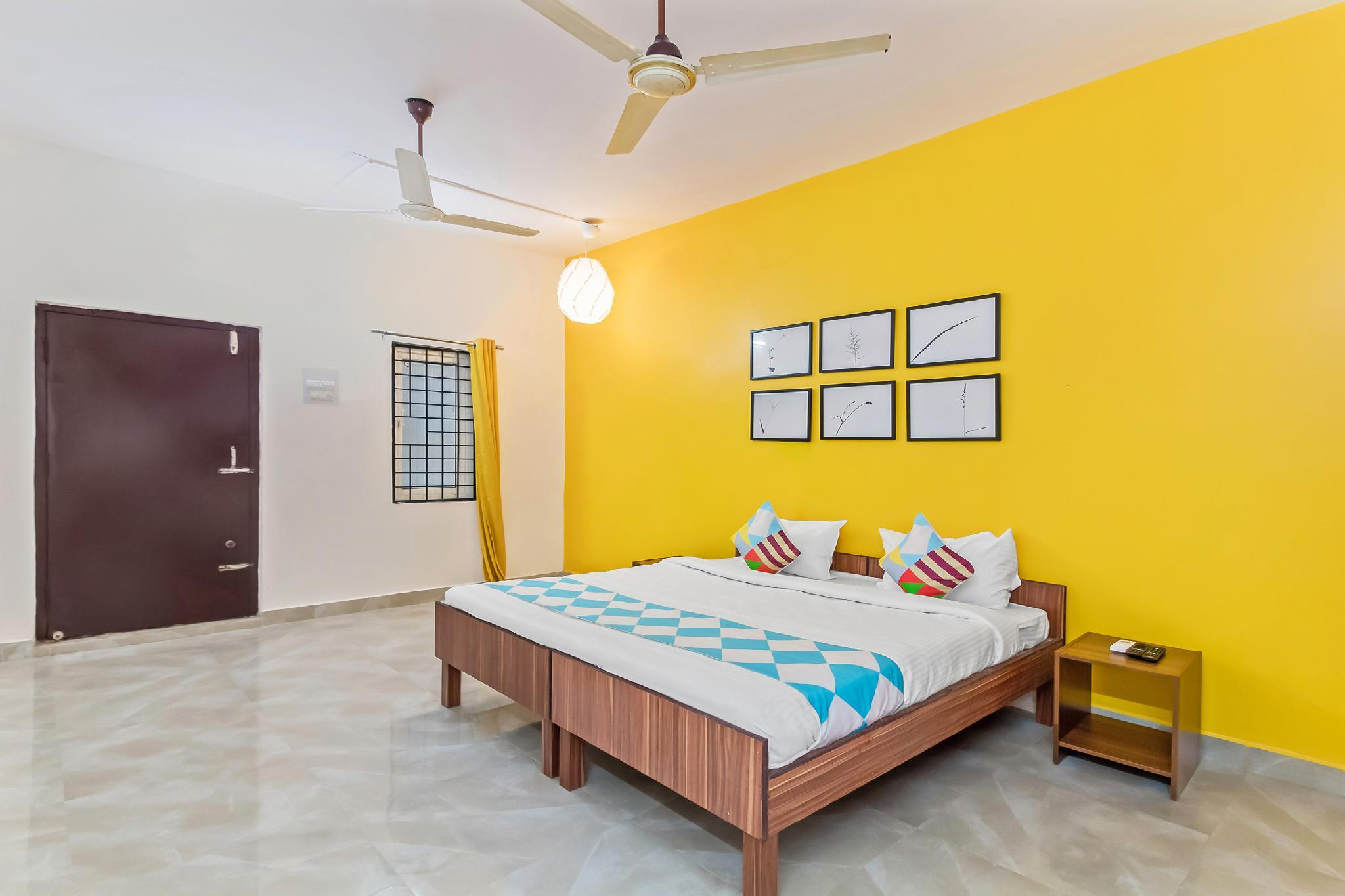 OYO 40650 Commodious Stay Near Dilsukhnagar Bustop