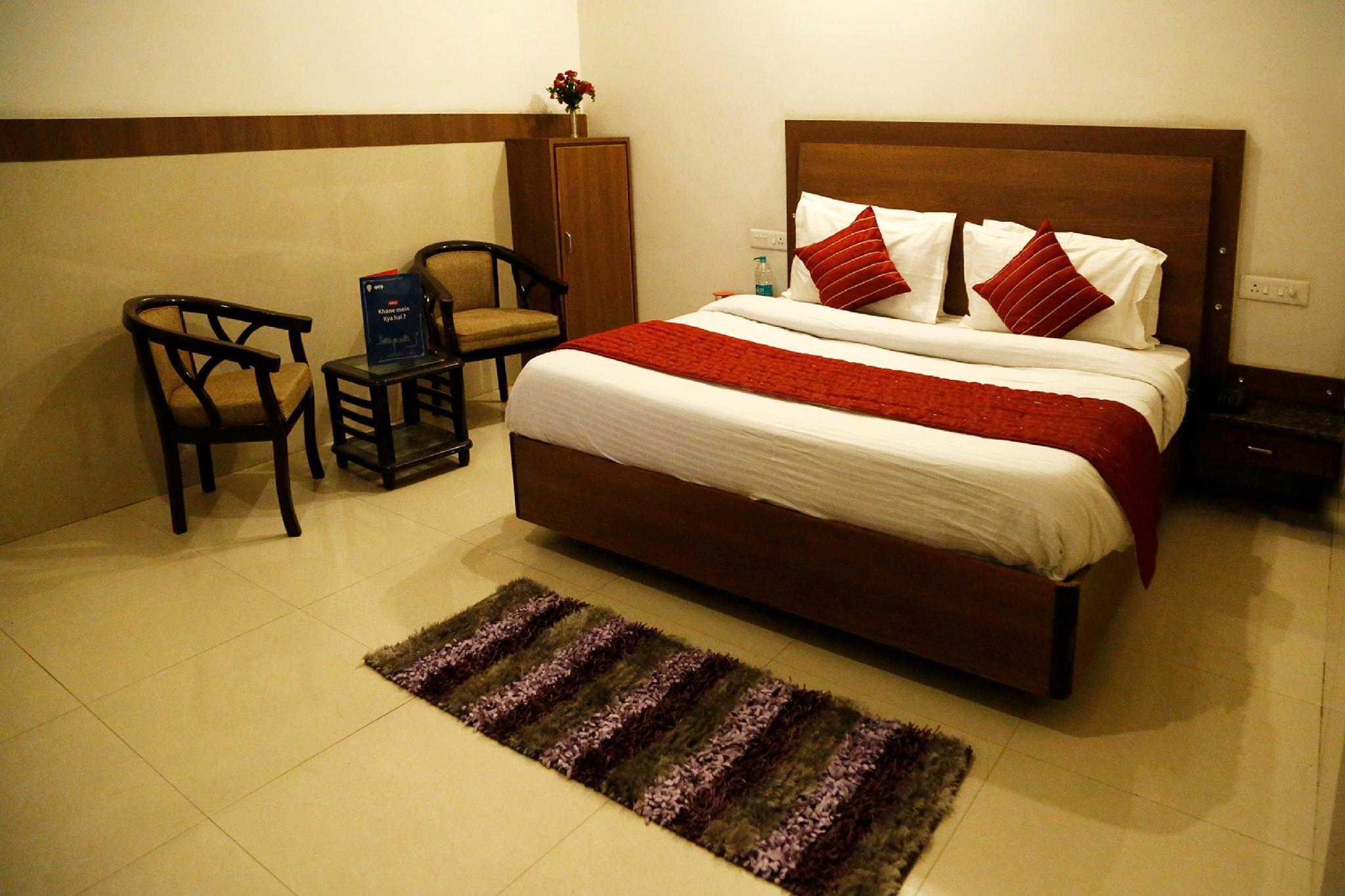 Capital O 4302 Hotel Imperial Lodge