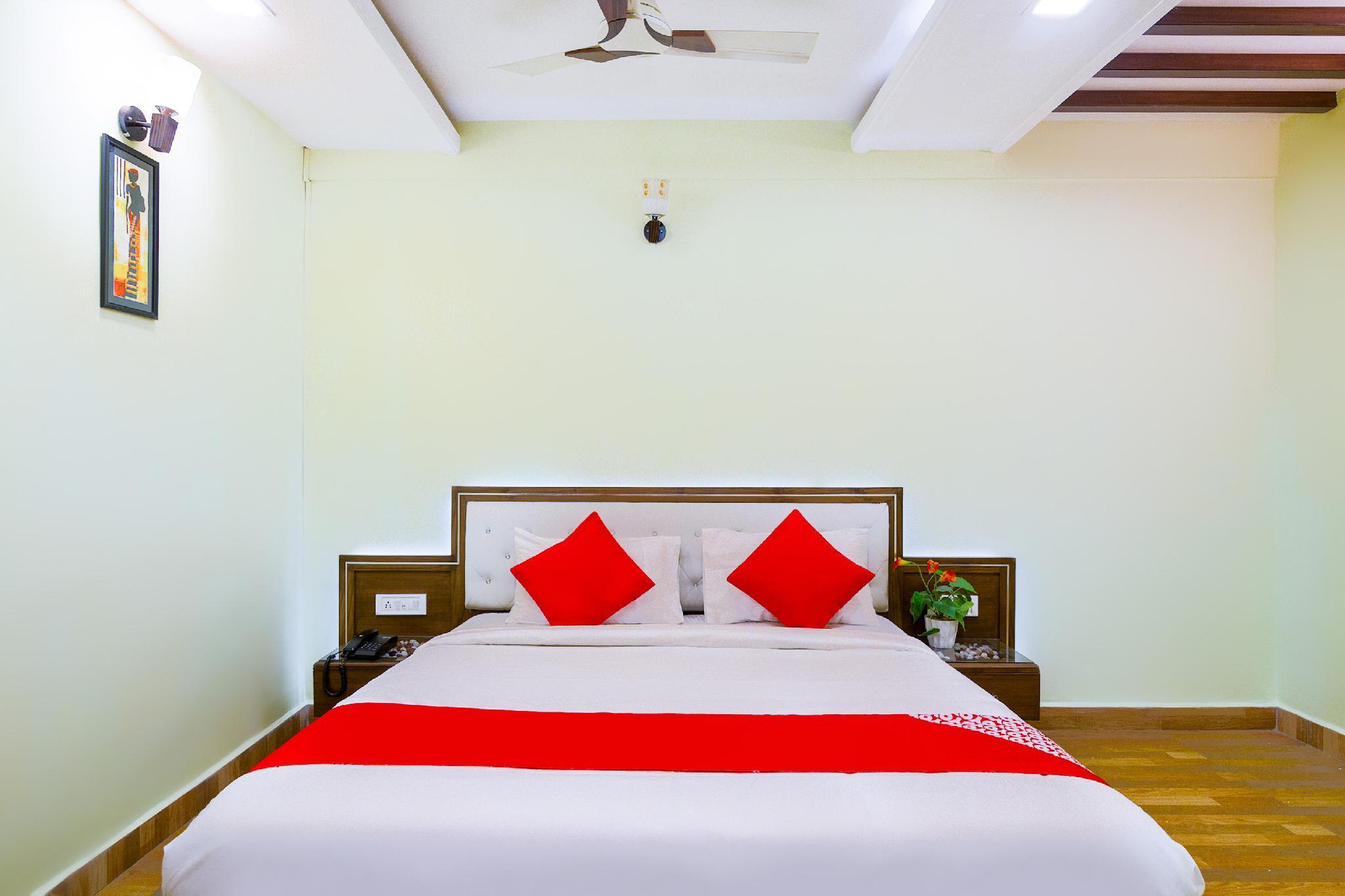 OYO Flagship 43480 Amudha Residency Mogappair East