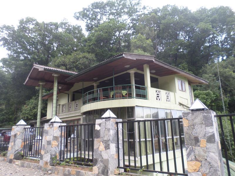 Green Woods Holiday Inn