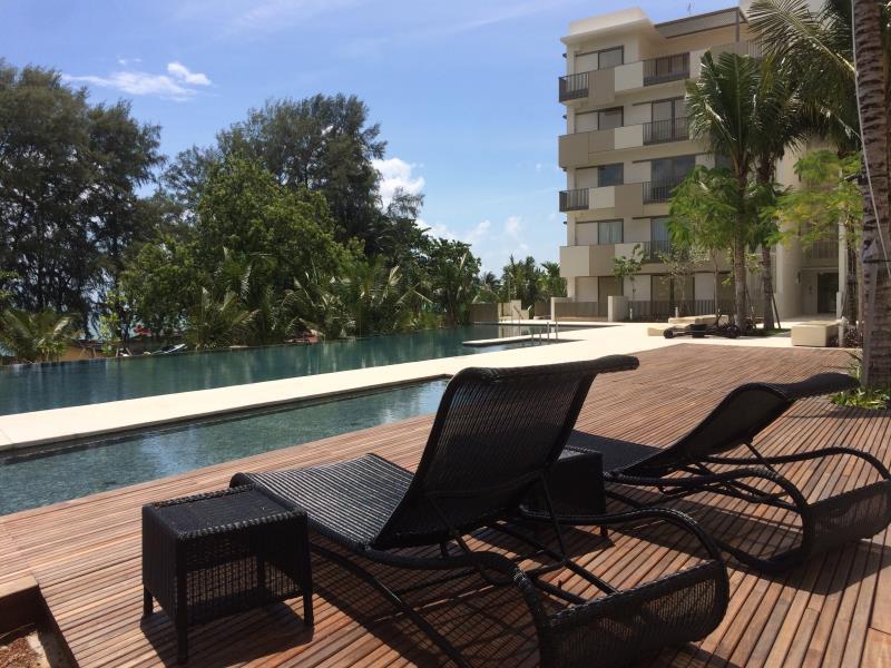 By The Sea Batu Ferringghi Luxury Holiday Suite