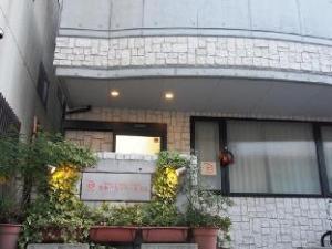 Dogo Domitory Hotel