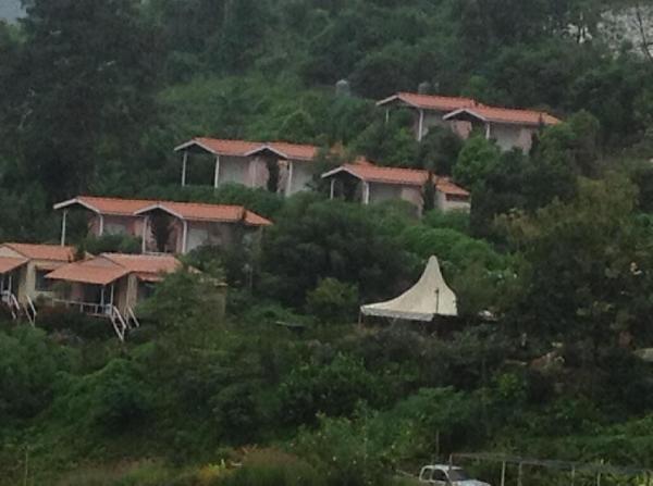 Flora Hill Pongyang Resort Chiang Mai