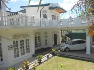 Kandy Casual Tourist Hotel