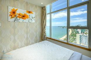 Фото отеля Sunrise Ocean View Apartment