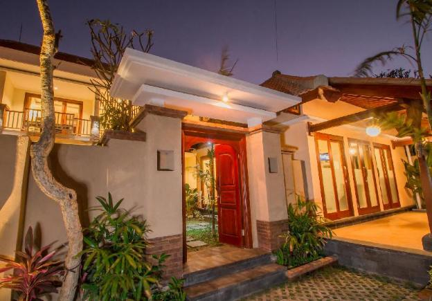 Huge Space with Balcony and Mini Kitchen SANUR