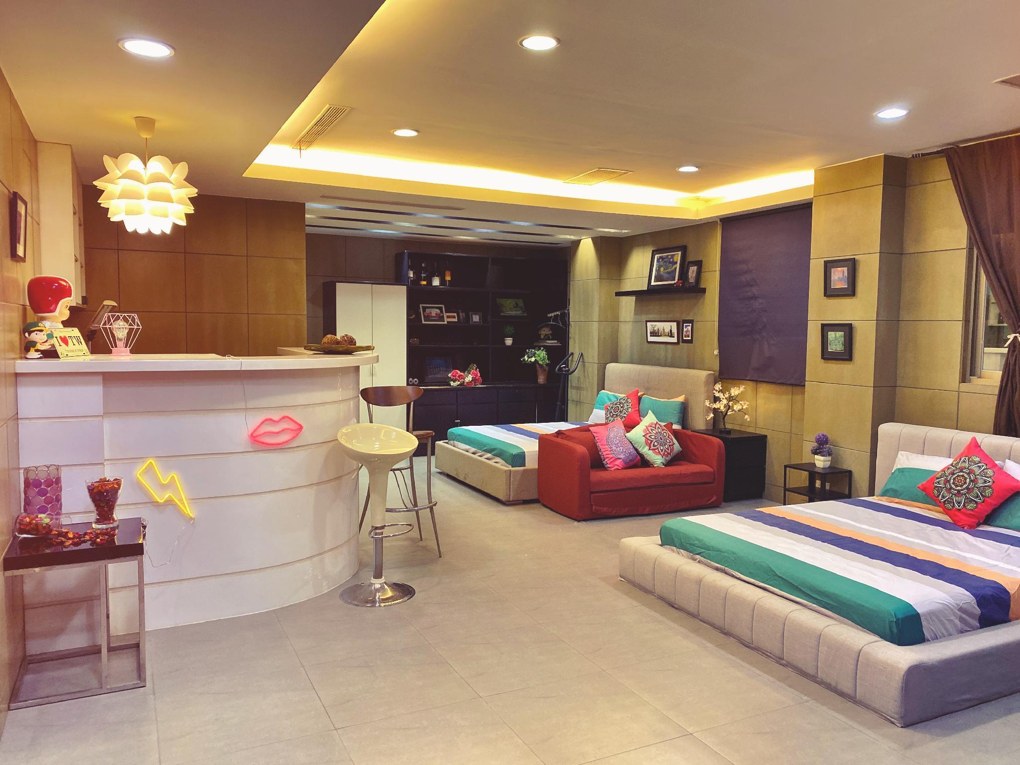 Taipei Station Club House 3rm3bth 4 14 Guests