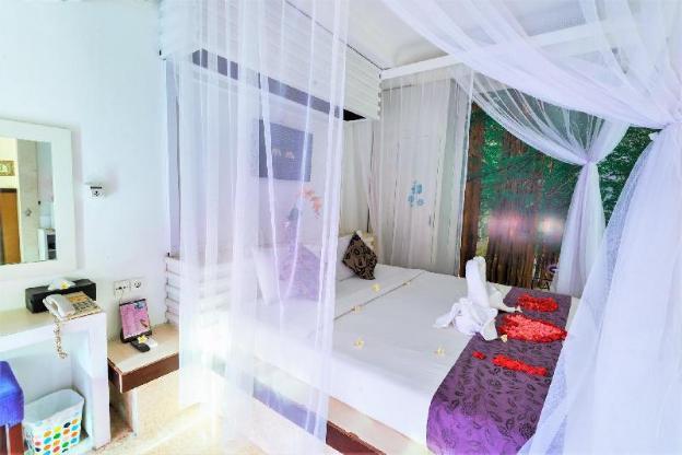 Bali private villa with swimming pool in Kuta