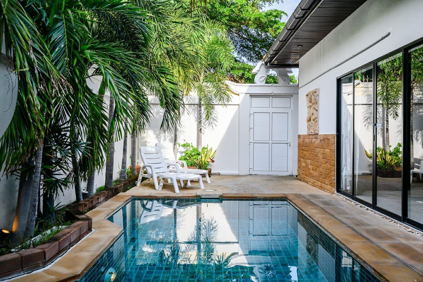 Villa with private pool 300 m away from the beach 2 ห้องนอน 2 ห้องน้ำส่วนตัว ขนาด 100 ตร.ม. – เขาพระตำหนัก