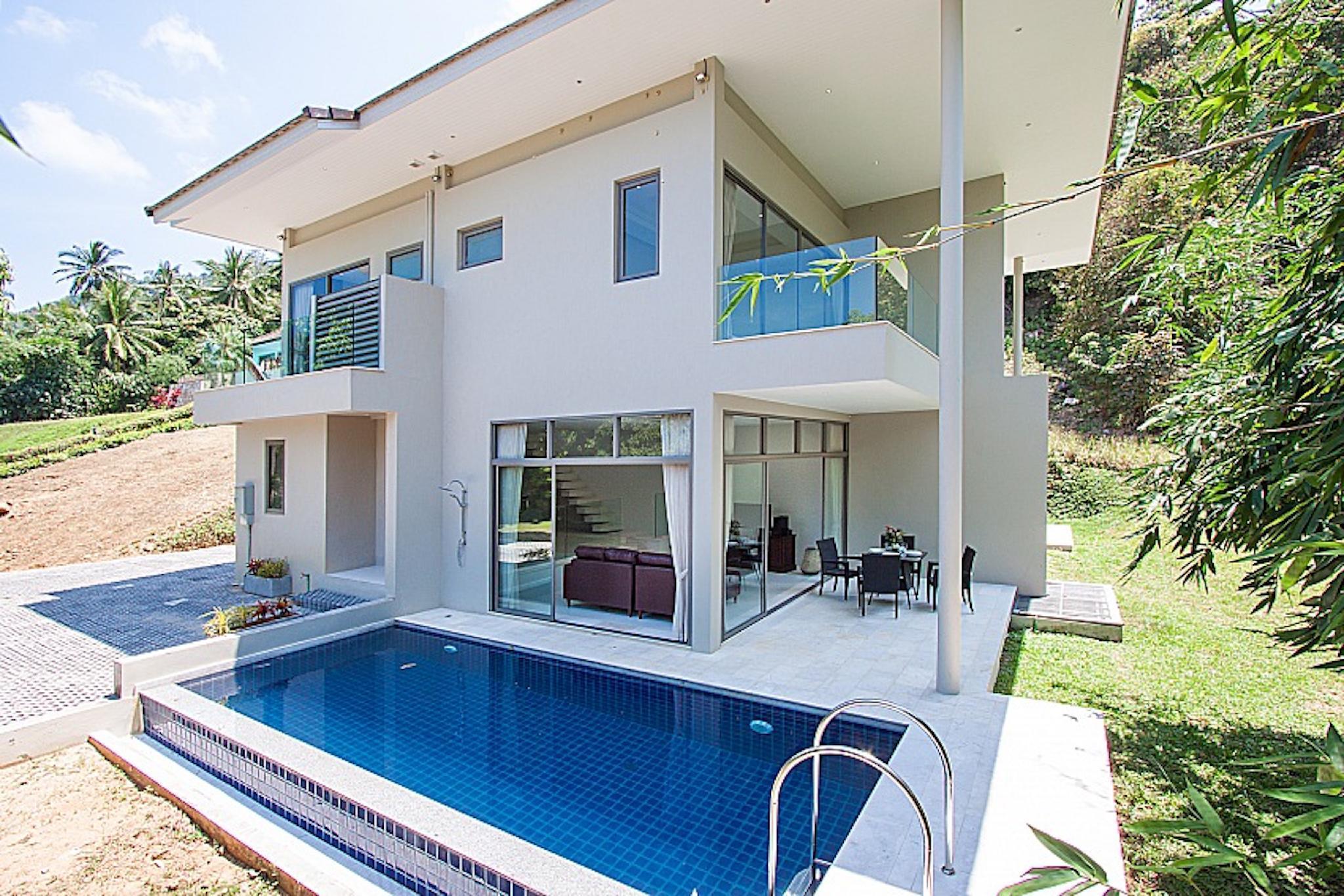 4 Bedroom Villa with 2 Private Pools 4 ห้องนอน 4 ห้องน้ำส่วนตัว ขนาด 700 ตร.ม. – บางปอ
