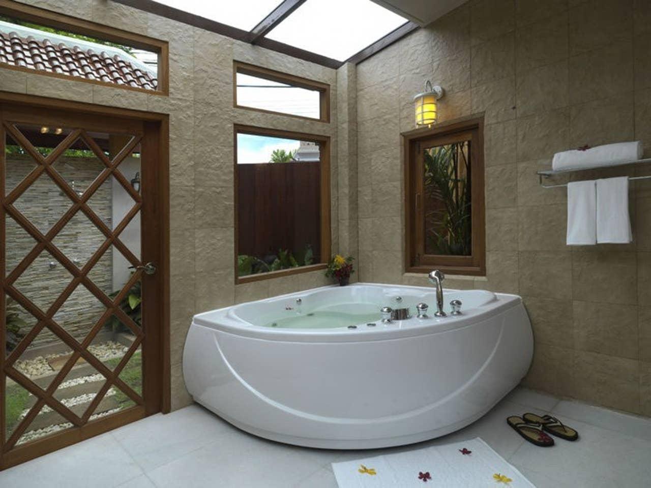 Exclusive Balinese Pool Villa in Pattaya 7 ห้องนอน 7 ห้องน้ำส่วนตัว ขนาด 800 ตร.ม. – เทพประสิทธิ์