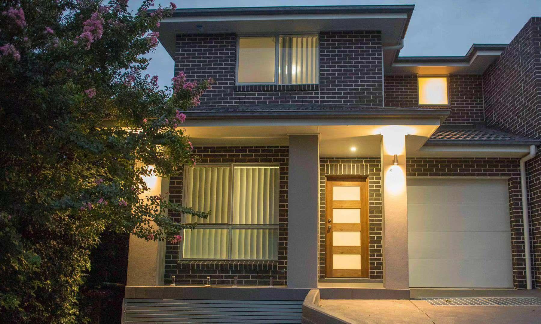 New Luxury 5 Bedroom Duplex Near Olympic Park
