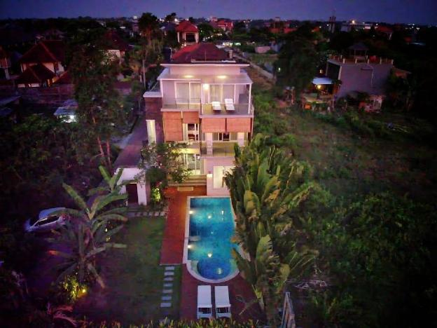 Fly High Villa Canggu - 600m from Beach & Finns