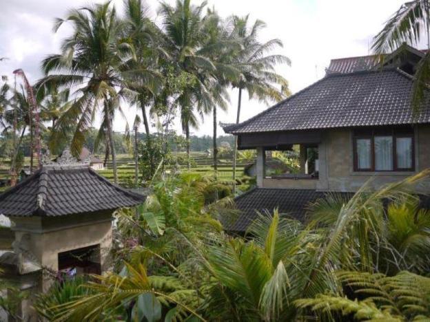 one bedroom villa sharing pool # sahadewa