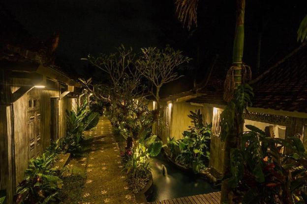 One BR Luxury House w/ B'fast, Pool in Ubud Center