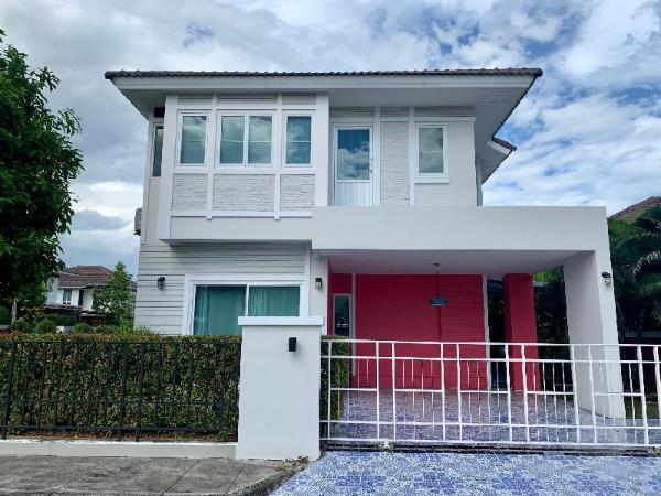Modern and Comfortable Jinbei Villa 283 Chiang Mai
