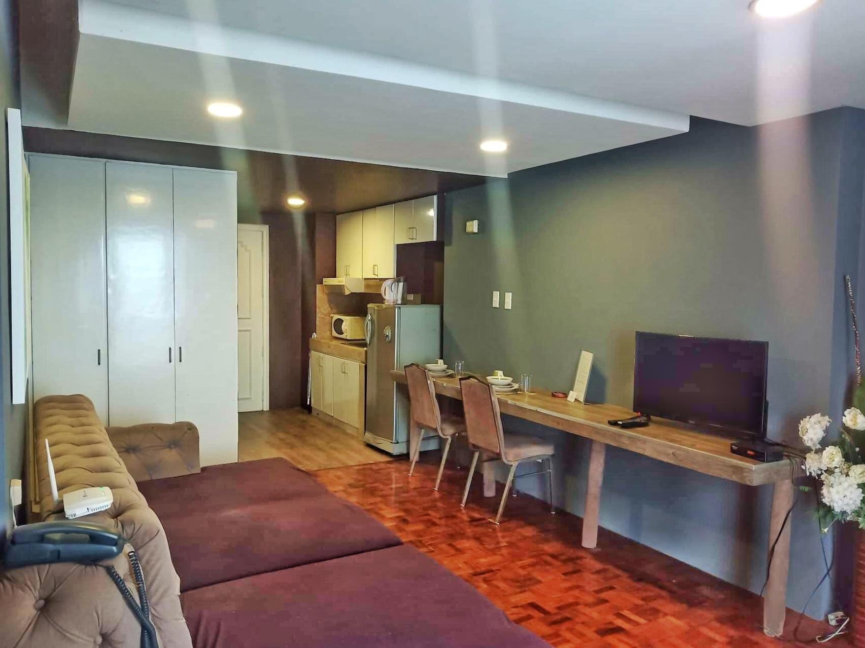 Serviced Modern Apartment In Makati