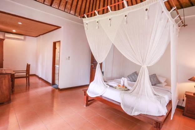 one bedroom villa sharing pool # arjuna