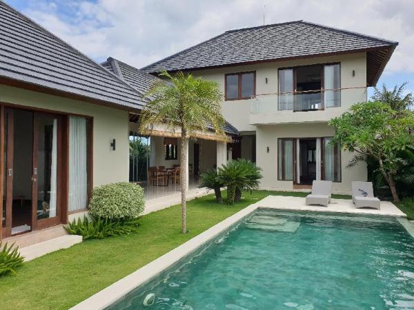 VILLA DIMAYA, modern & spacious villa, rice fields Bali