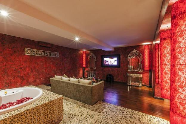 Larger Suite-Honeymoon Suite-Breakfast+Hot Tub+Spa