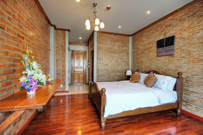 Saeng Panya Double Room 1 ห้องนอน 1 ห้องน้ำส่วนตัว ขนาด 30 ตร.ม. – ห้วยแก้ว