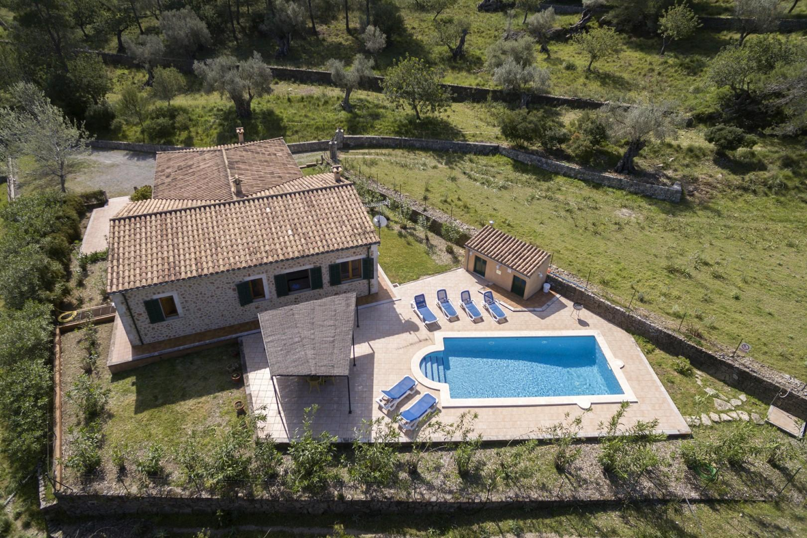 BOSCH- Secluded Finca in the foot of the mountains