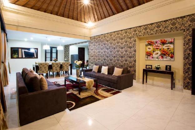 Villa 4BR Stunning Villa at Seminyak