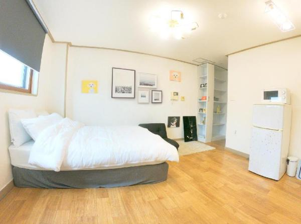 3min HONGIK STN/5F/Elevator/Best location big road Seoul