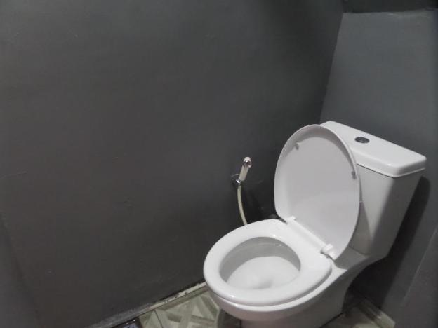 Single Bedroom Sharing bathroom near BalanganBeach