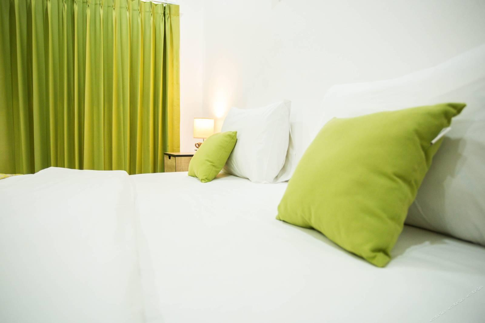 Patong Beach Core Business District City Room