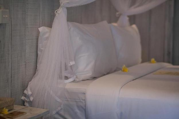 1 BR Luxury House w/B'fast, Bath + Towel Amenities